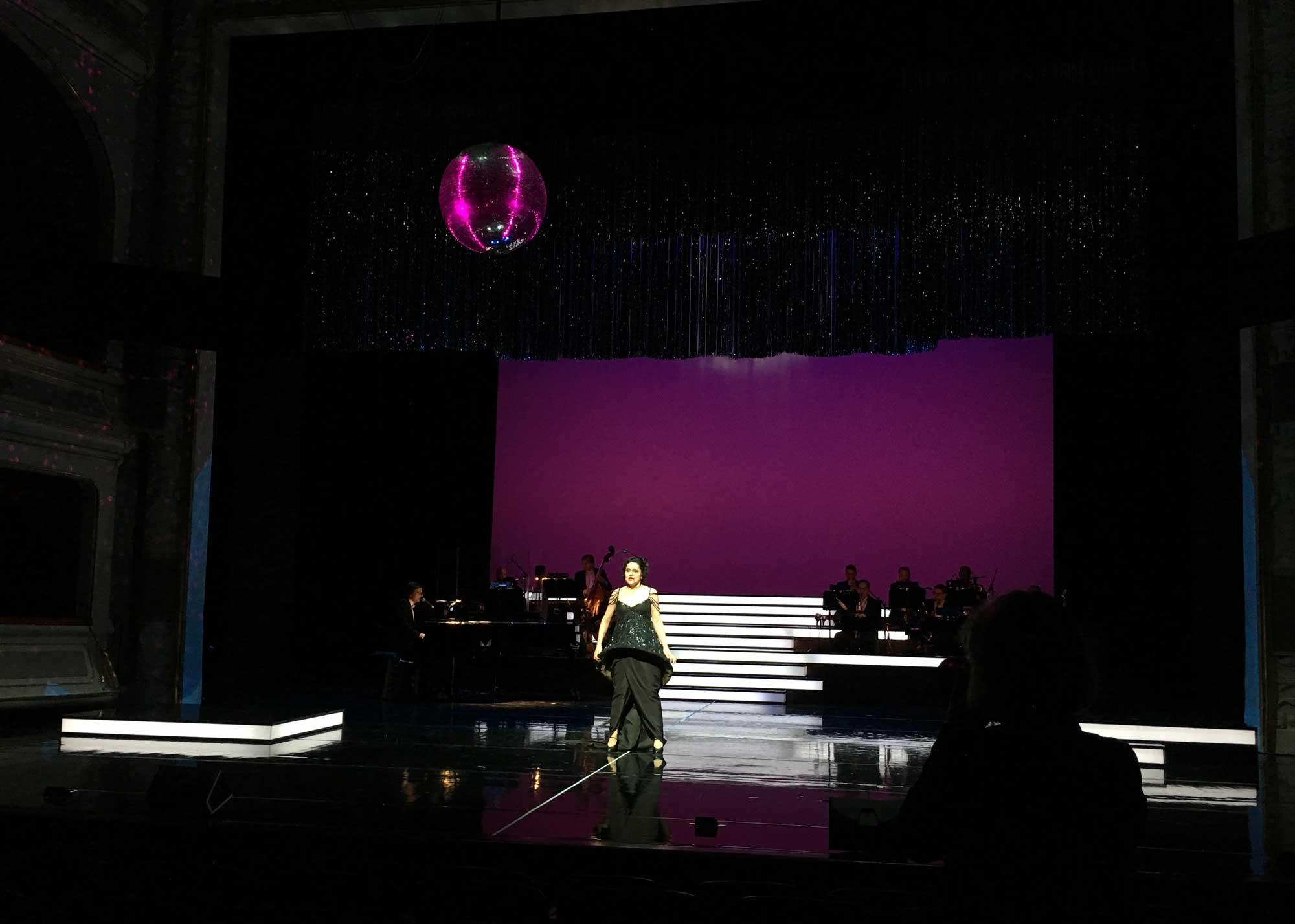 Karl Wiedemann Meister², Lichtdesign, Lights of Broadway (1)