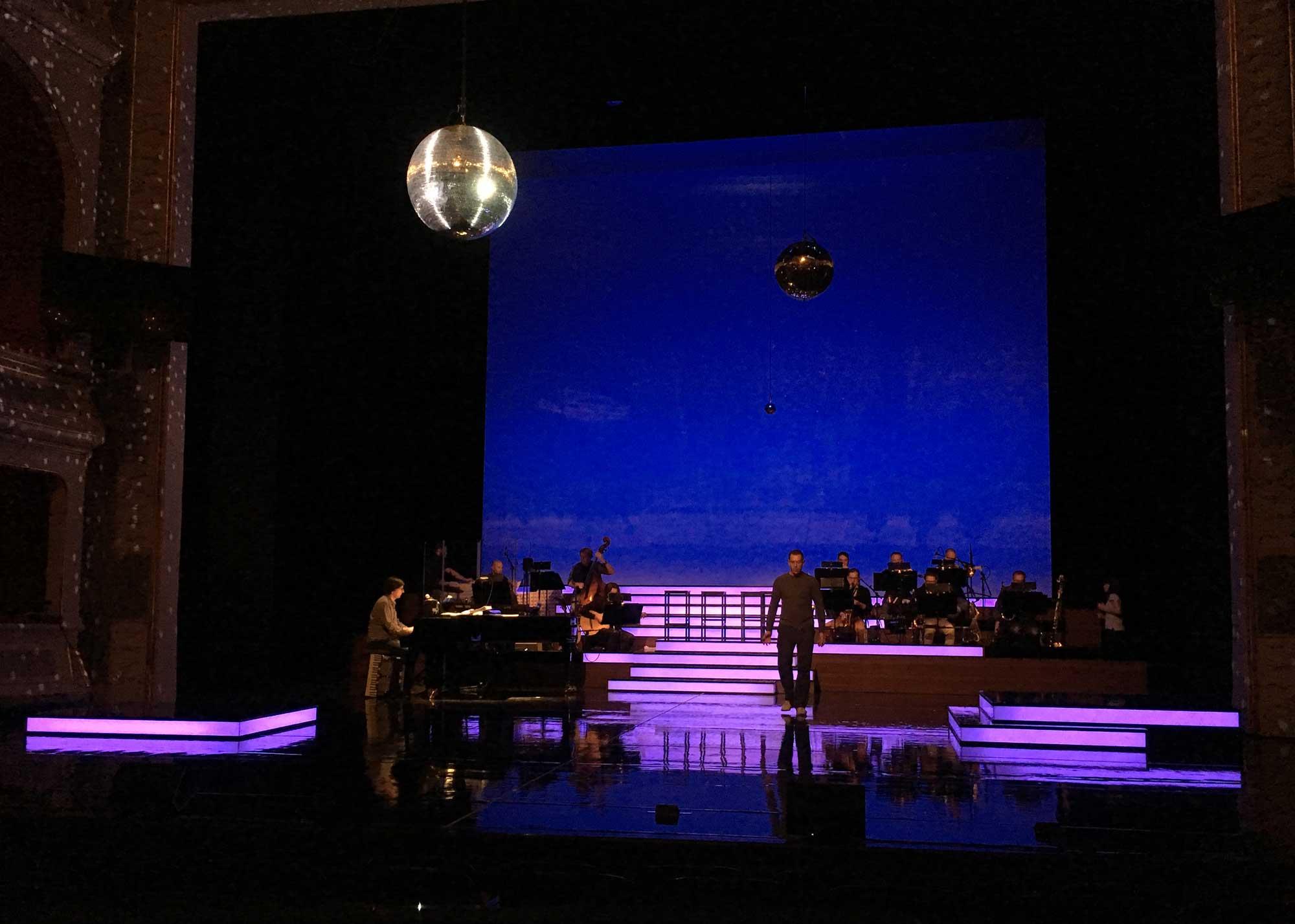 Karl Wiedemann Meister², Lichtdesign, Lights of Broadway (2)