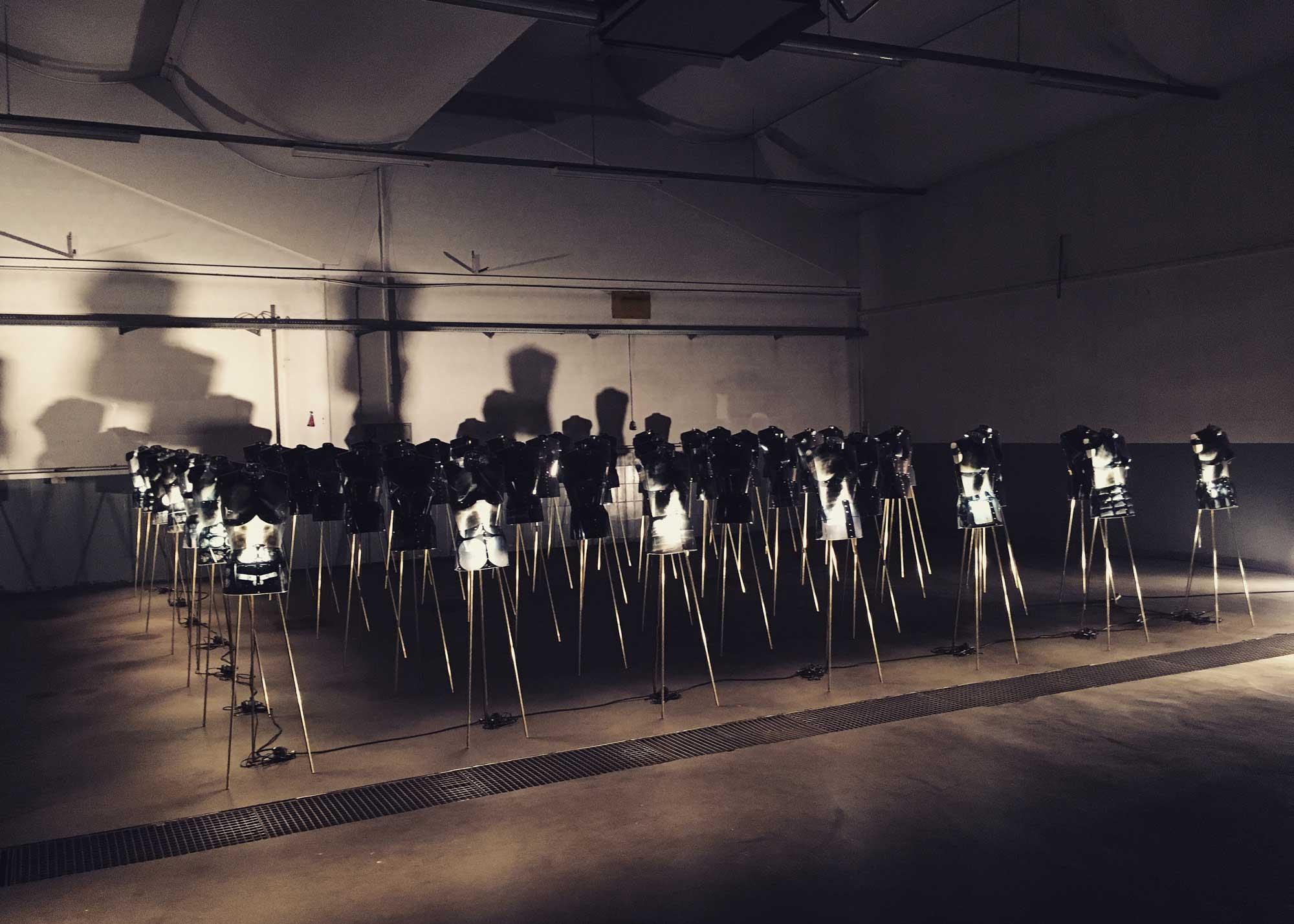Karl Wiedemann Meister², Lichtdesign, Ausstellung: Heil (1)